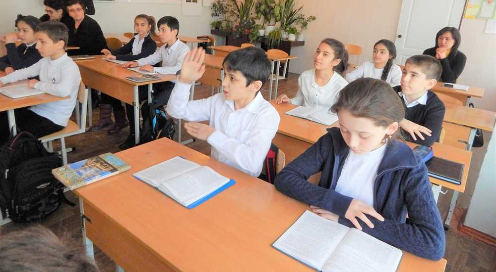 Philologists in Nalchik demand more hours for study of Kabardian in schools